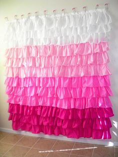 DIY Anthropologie ruffled shower curtain.