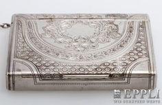 Dose mit Klappdeckel, RUSSLAND 1894, Silber 84 zolotniki (875/000), innen vergoldet, allseitig sehr feine Ziergravuren,