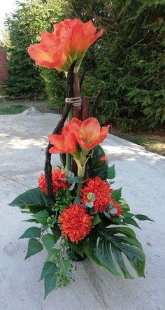 Altar Flowers, Church Flower Arrangements, Fall Arrangements, Fall Home Decor, Autumn Home, Bouquet, Funeral Flowers, Topiary, Ikebana