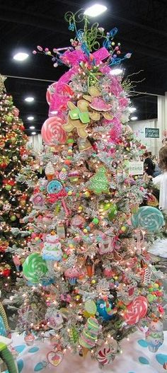 CHRISTMAS TREE~CANDYLAND TREE. Candy Land Christmas, Whimsical Christmas, Beautiful Christmas Trees, Nutcracker Christmas, Christmas Holidays, Merry Christmas, Cute Christmas Decorations, Christmas Tree Themes, Holiday Tree