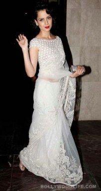 So Indian Marilyn Monroe :-Kangana ranaut in abujani sandeep khosla white lace saree Lace Saree, Saree Dress, White Saree Blouse, White Sari, Net Saree, Floral Blouse, Indian Attire, Indian Ethnic Wear, Indian Girls