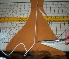 How to: Gores, Gussets and Inserts (Recreating 16th and 17th Century Clothing: The Renaissance Tailor)