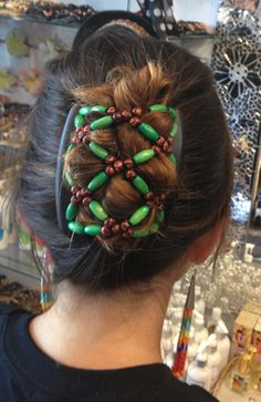 the coolest hair do - yay a break from braids and buns! ha ha kandeej.com: Awesome South African Hair Clip
