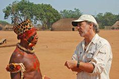Mark Plotkin com cacique da tribo Waurá, durante o Kuarup de 2007 no Parque Nacional do Xingu
