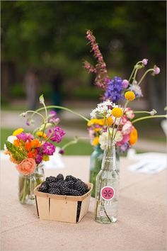 Center pieces - imagine with wine bottles and grapes...? Different colour scheme...