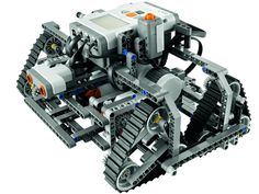 My talented kiddoes built n programmed this!!  9695 LEGO MINDSTORMS Education Resource Set