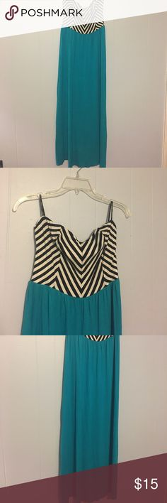 Plus size strapless maxi dress So cute for spring and summer! This dress has a black and white chevron pattern across the bust and a pretty bright real color at the bottom. Total length is 51 inches. Bust measures 16.5 inches. Waist is 16 with stretch! Materials shown in picture. Forever 21 Dresses Maxi