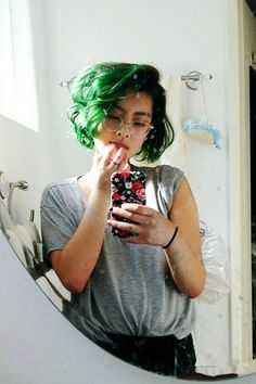 71 green hair colors ideas that you will love - Best New Hair Styles Dye My Hair, New Hair, Hair Color Blue, Purple Hair, Gray Hair, Color Black, White Hair, Ombre Hair, Hair Colors