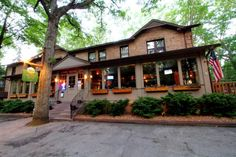 Are you looking for picture perfect restaurants to enjoy in the Hoosier state? These 12 beautiful restaurants are absolute show-stoppers. Great Places, Places To Go, Beautiful Places, Most Beautiful, Chicago Restaurants, Great Restaurants, Amish Acres, Indiana Dunes