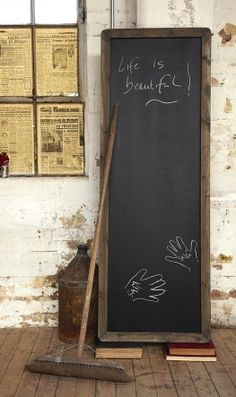 As much as I love the chalkboard look, does anyone else feel like it is only good for people with nice handwriting!? What about us chicken scratch-ers?!