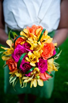 tropical wedding bouquet,  image by jeremiebarlow.com