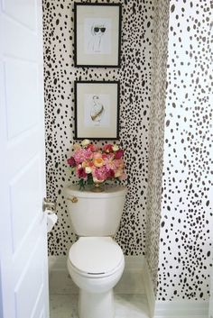Most Noticeable Crazy Bathrooms You can always dress your powder room in a number of your favourite things. Powder room is just one of the most-visited rooms in your residence. Everything is simply ideal for a modern powder room. Bad Inspiration, Bathroom Inspiration, Tiny Powder Rooms, Black Powder Room, Vinyl Decor, Wall Decor, Bedroom Decor, Beautiful Bathrooms, Small Bathroom