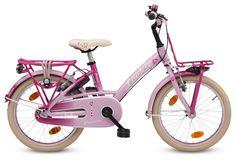 Een roze meisjesfiets voor echte prinsesjes. Er is een mooi evenwicht tussen roze accenten en neutralere kleuren. Uiteraard beschikt de fiets over een voorrekje, achterdrager, snelbinders, kettingkast met veiligheidsring, en hippe bel. De meeste onderdelen zijn sprookjesachtig roze. Zelfs het zadel van deze 18 inch meisjesfiets heeft een lief prinsessen hartje. Voor de echte prinses tussen 4 en 8 jaar.