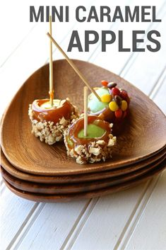 A delicious mini caramel fall apple recipe that is less messy, sprinkled with candies and nuts, and completely adorable!