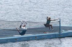 En marge du tournoi #ATP et WTA d'#Acapulco (february 2014) #Eugenie #Bouchard et #Grigor #Dimtrov ont échangé quelques balles sur un #court de #tennis flottant en pleine mer, construit pour l'occasion dans la très jolie baie de Santa Lucia au #Mexique, avant de se jeter à l'eau.  Posted on http://www.dhnet.be/sports/tennis/eugenie-bouchard-et-grigor-dimitrov-marchent-sur-l-eau-530dee5935708d729d82b6dd