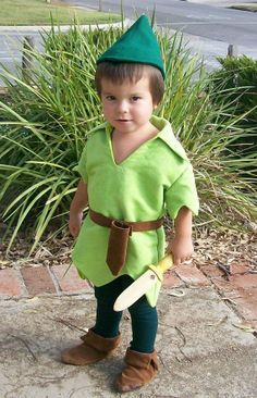 Artículos similares a Peter Pan Costume Cosplay Child Sizes Faux Lime Green Suede Tunic Felt Alpine Hat Red Feather tights belt sword sheath en Etsy Costume Halloween, Carnaval Costume, Halloween Kids, Diy Baby Costumes For Girls, Family Costumes, Girl Costumes, Costumes Kids, Peter Pan Costume Kids, Green Tights