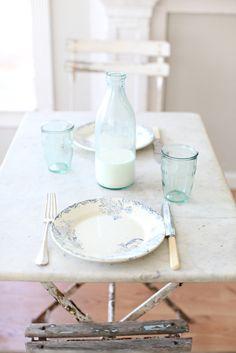 so lovely -- sea glass colored European milk bottles Vintage Milk Bottles, Antique Bottles, French Kitchen, French Farmhouse, Farmhouse Table, Vintage Kitchen, French Country, Cozy Cottage, Cottage Style