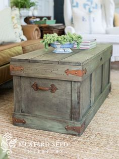 Pottery Barn Inspired Rustic Paint Finish | Pottery Barn DIY | milk paint | lucketts green | antiquing wax