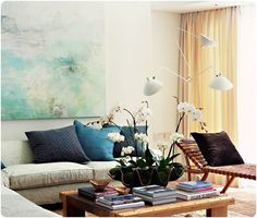 DIY - Decorating with abstract art