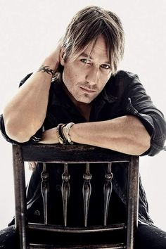 Megaticket announcement No. Keith Urban at Hollywood Casino Amphitheatre : Entertainment Country Western Singers, Country Men, Country Music Singers, Country Artists, Keith Urban, Urban Family Pictures, Kevin Johnson, The Maxx, Boys Are Stupid