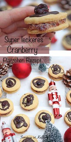 Dieses Cranberry-Plätzchen Rezept ist jetzt das letzte Weihnachtsplätzchen Rezept für dieses Jahr, dass aus meinem Backofen gesprungen ist. Sie bestehen aus einem zarten Mürbeteig und gefüllt sind sie mit einer fruchtigen und cremigen Crannberry-Buttercreme. Verziert mit einer Zartbitterkuvertüre und einer Cranberry. #weihnachten #plätzchenbacken #plätzchen #Gebäck #cranberry #cranberries #backen #einfach #deutsch #rezepte Cute Food, Cranberries, Desserts, Dessert Ideas, Food Food, Tailgate Desserts, Deserts, Postres, Dessert
