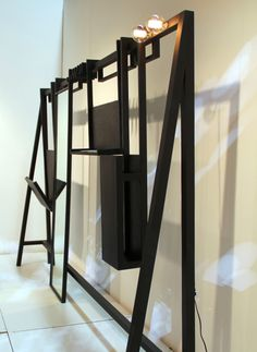 WIRT: A Sleek Storage Solution For the Hallway