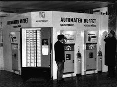Automaten Restaurant Wien Südbahnhof 1961 Buffet, Scenery Pictures, Vintage Travel, Vienna, Landline Phone, Austria, Vending Machines, History, Retro