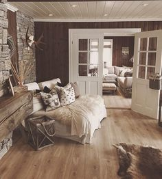 Rustic Home by - Architecture and Home Decor - Bedroom - Bathroom - Kitchen And Living Room Interior Design Decorating Ideas - Cabin Interiors, Rustic Interiors, Farmhouse Master Bedroom, Farmhouse Stairs, Interior Design Living Room, Interior Livingroom, Home Furniture, Rustic Furniture, New Homes
