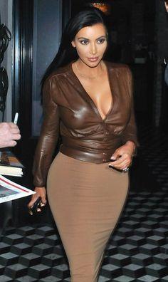 Kim Kardashian Photos: Kim Kardashian Out For Dinner At Craig's