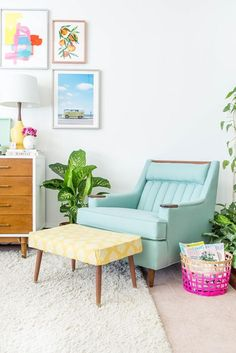 Reupholstered Mid-Century Lounge Chair Makeover | dreamgreendiy.com + @Buy Fabrics