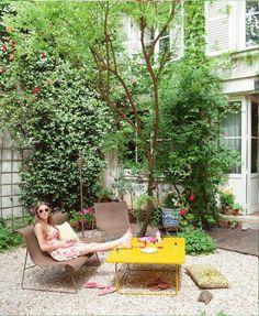 Ellipse collection design by Fermob now available in Plaisir du Jardin SA - Bryanston ! Fresco, Brita, Landscape Design, Garden Design, Outdoor Garden Furniture, Outdoor Decor, Garden Doors, Enjoying The Sun, Backyard Landscaping