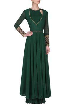 AVDI Emerald Green Embroidered Kurta with Crinkled Palazzo Pants Set. Shop Now! #indianfashion #indiandesigners #fashion #embroidered #perniaspopupshop #happyshopping