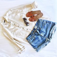 I love a linen shirt for a summer look. I got this one in the sale! Peony Lim, Hermes Shoes, Weather Wear, Vintage Shoes, Summer Looks, Cute Outfits, Style Inspiration, My Style, Hot