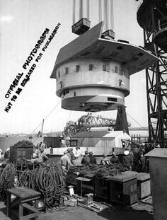 Installation of the No. 3 turret of battleship North Carolina, New York Navy Yard, 7 September 1940. The turret weighed slightly over 3.1 million pounds (1400 long tons).
