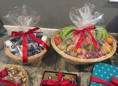 39 Ideas for fruit basket ideas gift indian Wedding Hamper, Wedding Gift Baskets, Wedding Gift Wrapping, Wedding Gift Boxes, Engagement Gift Baskets, Engagement Decorations, Engagement Gifts, Diy Wedding Food, Wedding Crafts