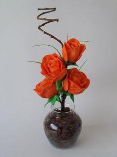 Arranjo de Flores em Eva Nylon Flowers, Plastic Flowers, Silk Flowers, Paper Flowers, Flower Crafts, Flower Art, Table Centerpieces, Wedding Centerpieces, Container Flowers