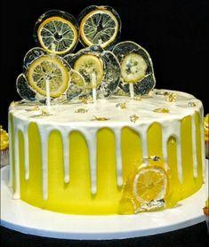 Zitronenkuchen, gelber Kuchen - Matelas à sucre - Kuchen - Citrus Cake, Birthday Desserts, Cake Birthday, Super Cookies, Buttercream Recipe, New Cake, Cake Decorating Techniques, Drip Cakes, Lemon Recipes
