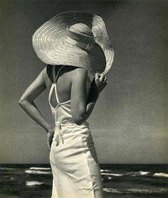 Ich will zuruck zur Küste  Beach ,Photographer Andreas Feininger