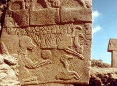 Tablete de pedra de 13.000 anos descreve impacto de cometa  Catástrofe ocorrida naquela época pode explicar mudanças climáticas já constatadas pelos estudiosos; rocha foi encontrada em uma das mais antigas construções do mundo e denota avançado saber astronômico     Leia mais: http://ufo.com.br/noticias/tablete-de-pedra-de-13000-anos-descreve-impacto-de-cometa    CRÉDITO: ARQUIVO    #Tablete #Edinburg #Encke #VultureStone #revistaUFO