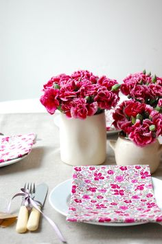 Pink flowers. #liberty #table #fleurs