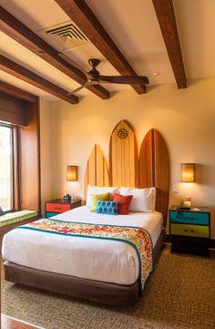 Polynesian Bora Bora Bungalows - One of the most expensive hotel rooms at Walt Disney World! Casa Disney, Disney Rooms, Disney Hotels, Hawaiian Bedroom, Hawaiian Decor, Bora Bora Bungalow, Surfboard Decor, Surf Decor, Hawaiian Homes