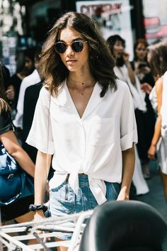 How to style a minimal denim outfit