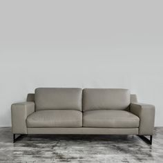 Exceptionnel Grande Fabric Sofa   All Our Sofas Are Built With A Kiln Dried Hardwood  Frame For Sturdiness And Durability. Customizable In Belgium Acacia Fabric U2026