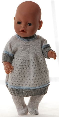 Baby Knitting Patterns Toys Puppensachen Knitting Tutorial - Beautiful dress with jacket in beautiful kla . Knitting Dolls Clothes, Knitted Dolls, Doll Clothes Patterns, Clothing Patterns, Puppet Patterns, Doll Patterns, Baby Born Clothes, Baby Clothes Storage, Poncho Knitting Patterns