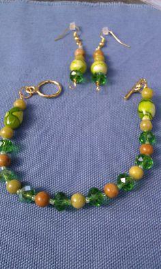 Green yellow brown stone wire Bead gold bracelet set by doubledzbeadz. Explore more products on http://doubledzbeadz.etsy.com