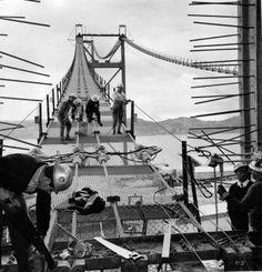 Lisboa. As primeiras imagens (raras) da Ponte 25 de Abril Nostalgic Pictures, Iberian Peninsula, Portugal Travel, Old City, Back In The Day, Old Photos, Nostalgia, Europe, Places