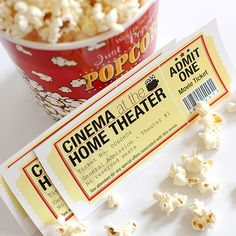 Here's a great free printable that you can use for family movie night, party invitations or even page embellishments: movie tickets from Dabbles Babbles. Family Movie Night, Family Movies, Movie Night Party, Game Night, Party Time, Night Parties, Kino Party, Ideas Sorpresa, Printable Tickets