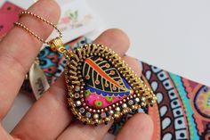 Embroidery jewelry, Zipper & bead embroidery heart, Heart Design OOAK. di Fantasiria su Etsy