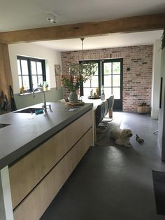 Beton Design, Küchen Design, House Design, Black Kitchens, Home Kitchens, Japanese Bathroom, Barn Living, Concrete Kitchen, Loft Style