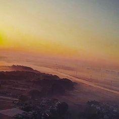 【jb.japanes】さんのInstagramをピンしています。 《Sunrise from 150 meters above the sky.  It was a beautiful morning. 上空150メートルからの日の出。 美しい朝だった。 #beautiful #mysterious #fantastic #amazing #japan #japanese #coast #sea #beach#love #朝日#日の出#海#sunrise #sun#wave #surf#太陽#大洗#chiba#神秘的#幻想的#きれい#キレイ #サーフィン#朝#morning#favorite #cloud》